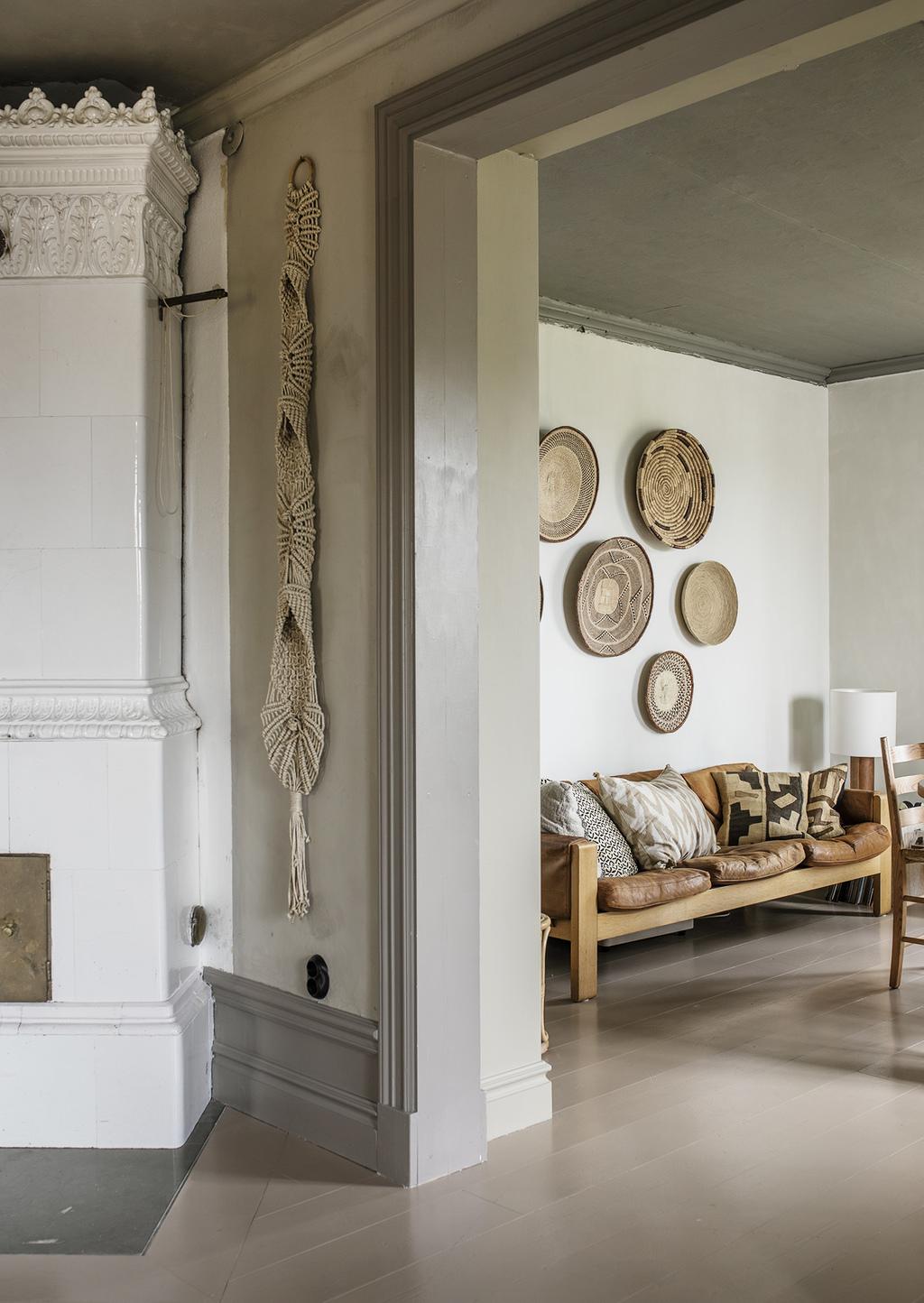Tonuri naturale de culoare și mobilier rustic într o casă din 1884 11