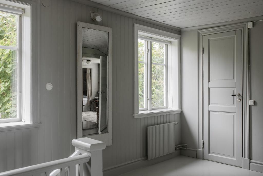 Tonuri naturale de culoare și mobilier rustic într o casă din 1884 27