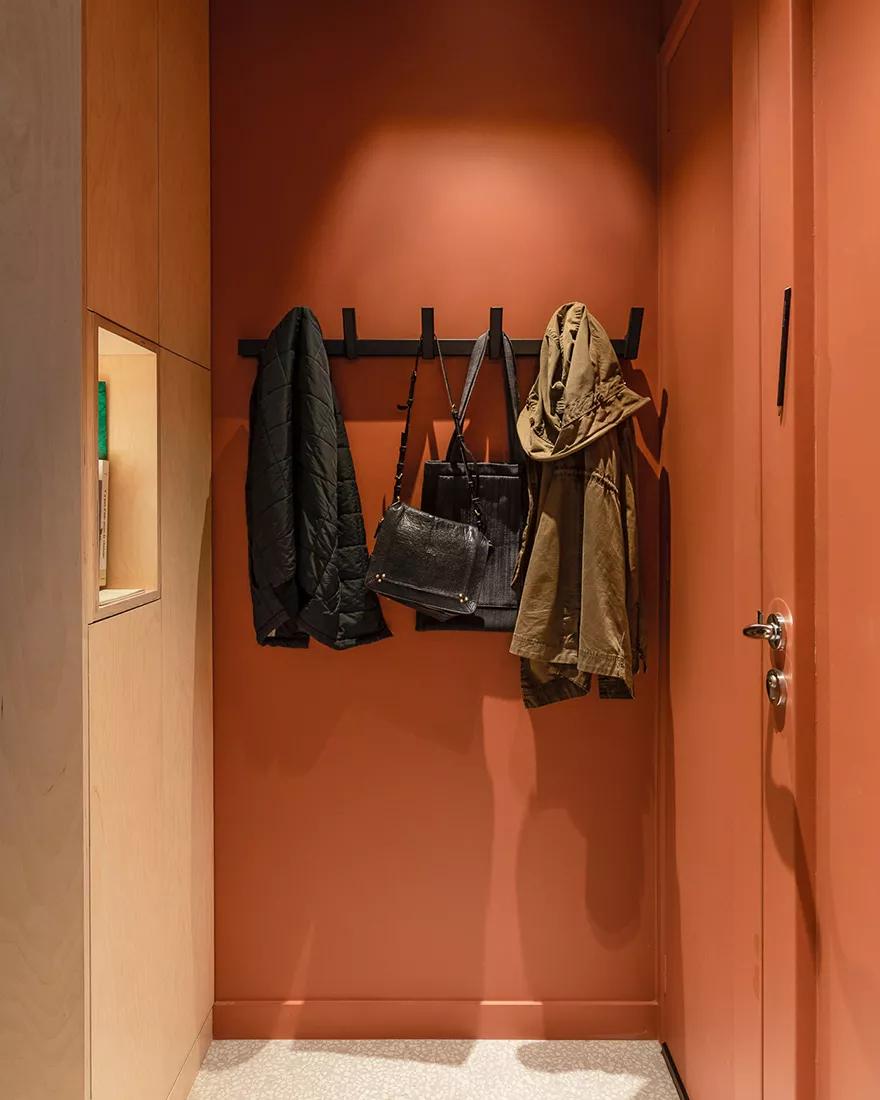 Amenajare practică și modernă într o garsonieră de numai 25 m² din Paris 10