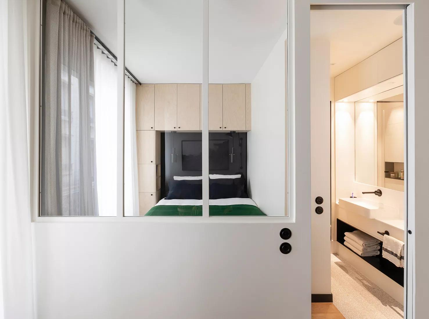 Amenajare practică și modernă într o garsonieră de numai 25 m² din Paris 4