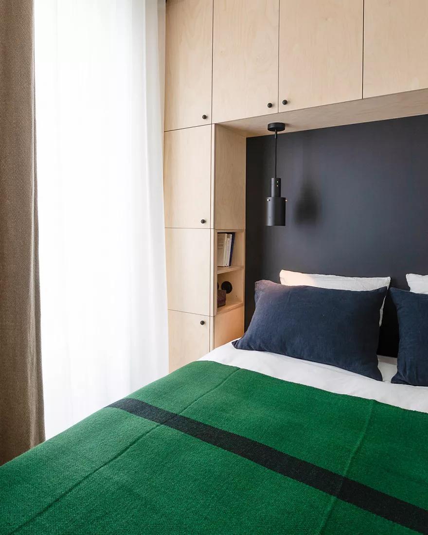 Amenajare practică și modernă într o garsonieră de numai 25 m² din Paris 5