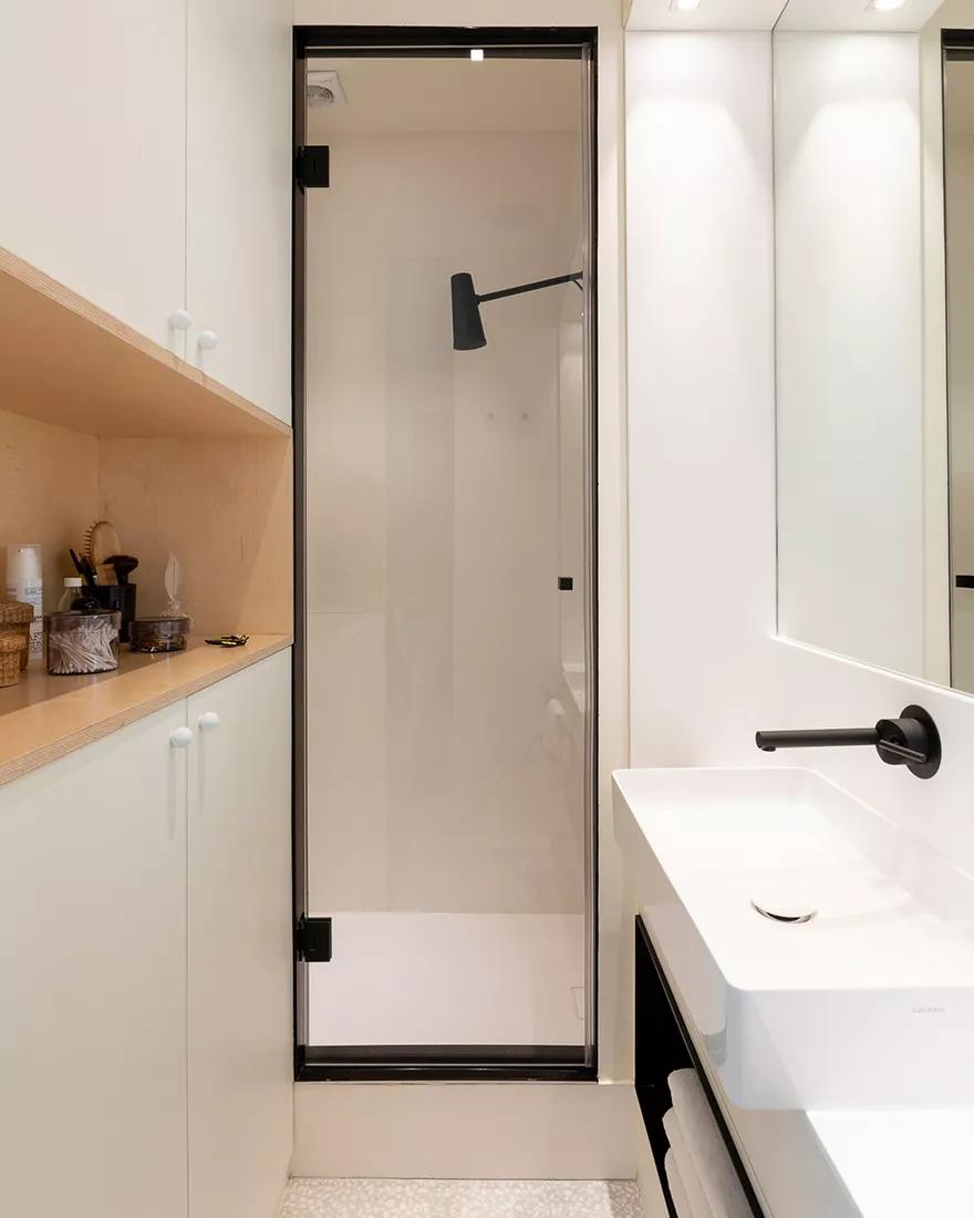 Amenajare practică și modernă într o garsonieră de numai 25 m² din Paris 6