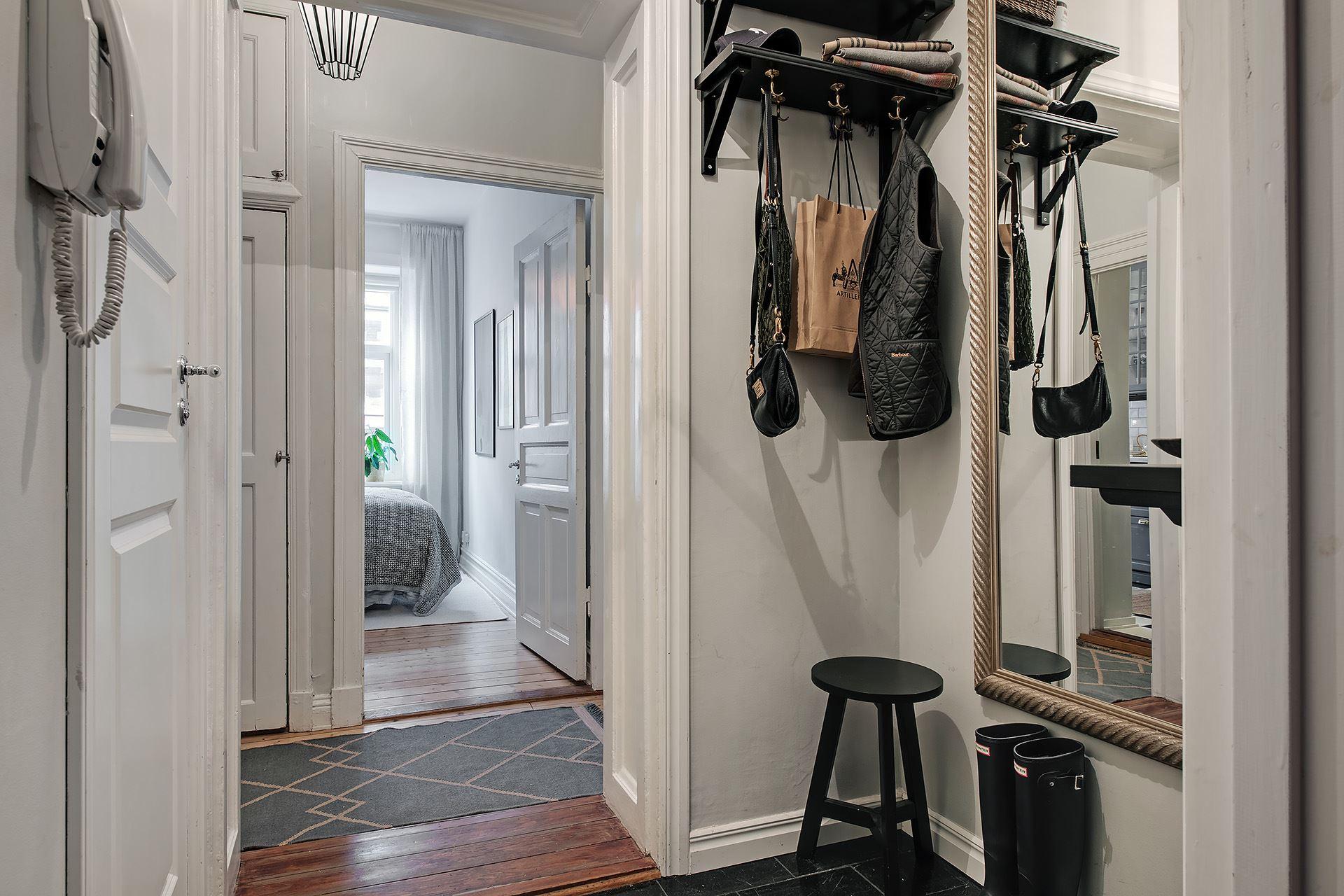 Living pe colț într un apartament de 3 camere de numai 51 m² 16