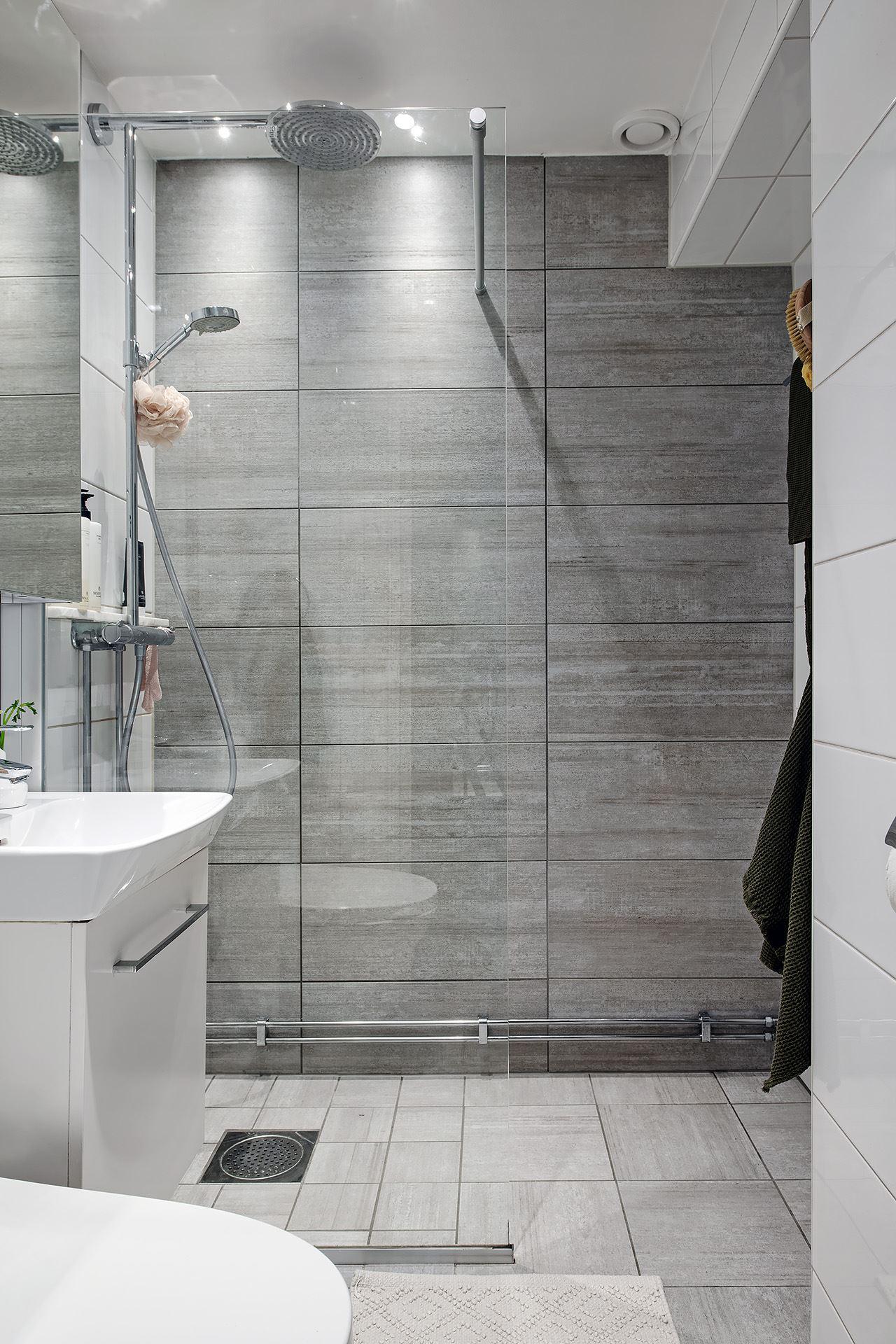 Living pe colț într un apartament de 3 camere de numai 51 m² 20