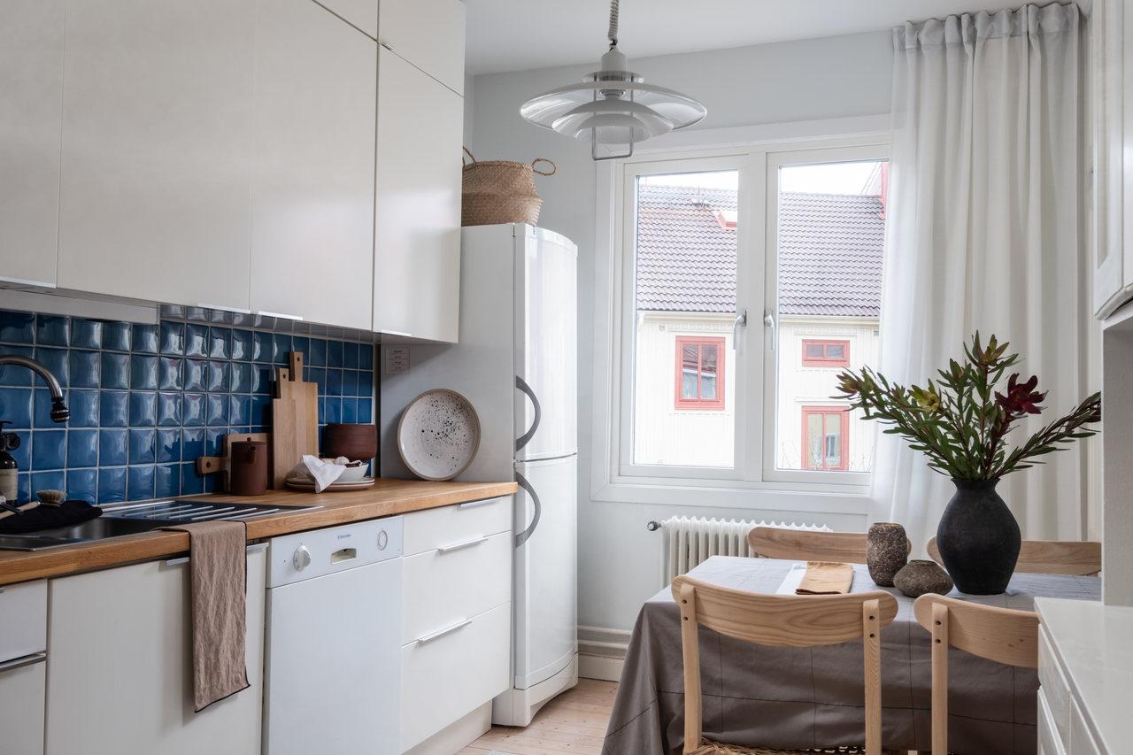 Motive etnice și accente calde de culoare într un apartament de 76 m² 11