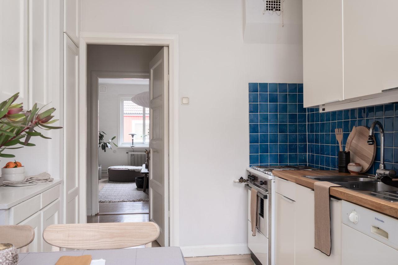 Motive etnice și accente calde de culoare într un apartament de 76 m² 12