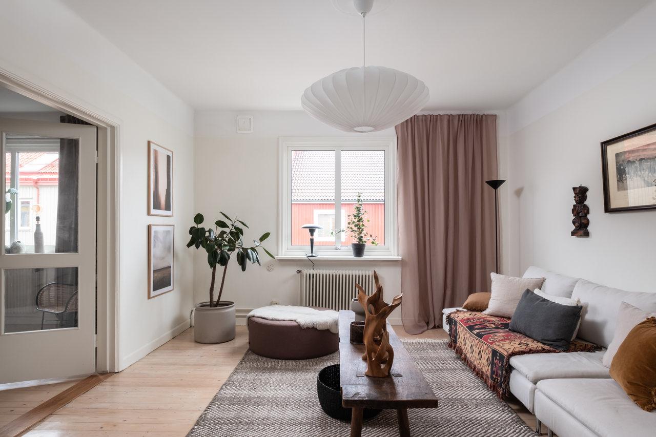 Motive etnice și accente calde de culoare într un apartament de 76 m² 2