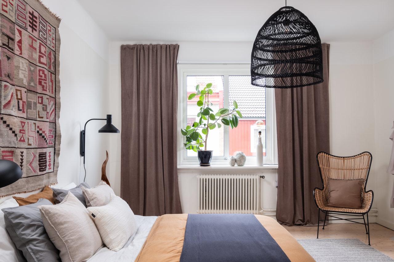 Motive etnice și accente calde de culoare într un apartament de 76 m² 6
