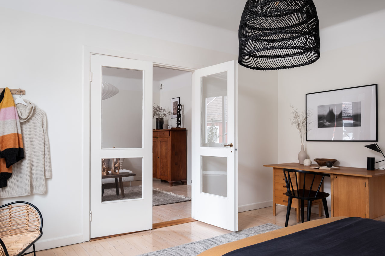 Motive etnice și accente calde de culoare într un apartament de 76 m² 7