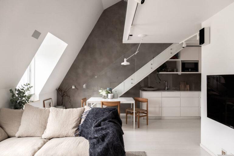 Dormitor deasupra bucătăriei într-o mansardă de 60 m²