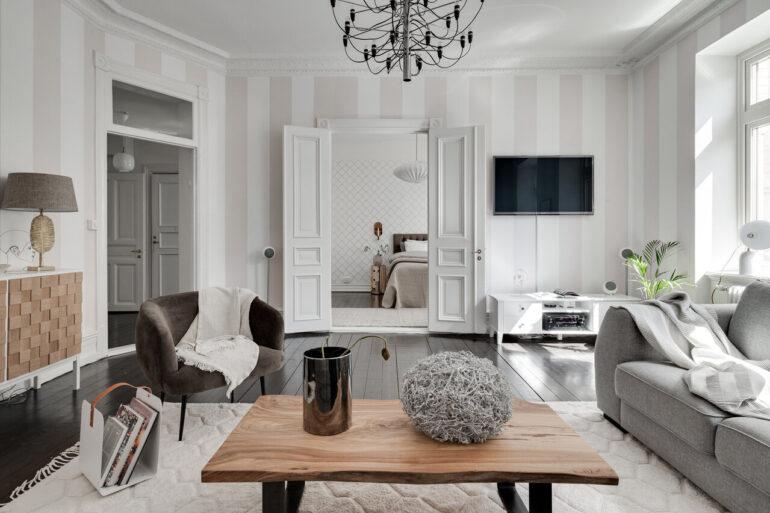 Tonuri neutre și accente clasice într-un apartament de 89 m² din Suedia